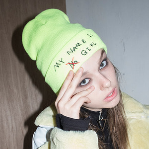 Signature Graphic Beanie (LIME)